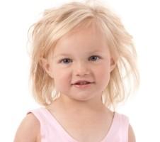 LittleGirlsStanding_Blonde